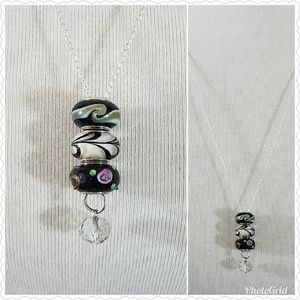 Silver lampwork glass beaded lariat necklace. NWT